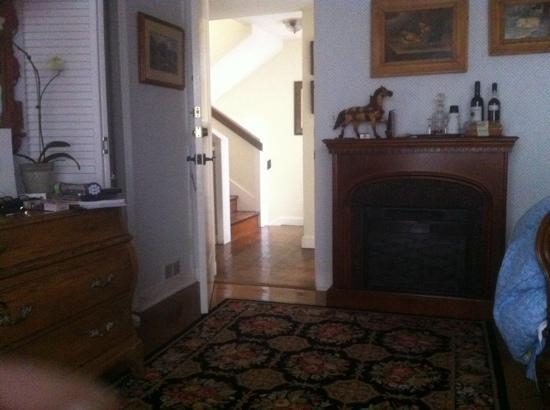The Bed & Breakfast Inn at La Jolla: country village suite fireplace