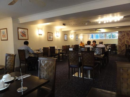 Gardens Hotel: 朝食会場