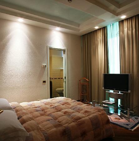 Hotel Patrizia & Residenza: Camera da letto Attico