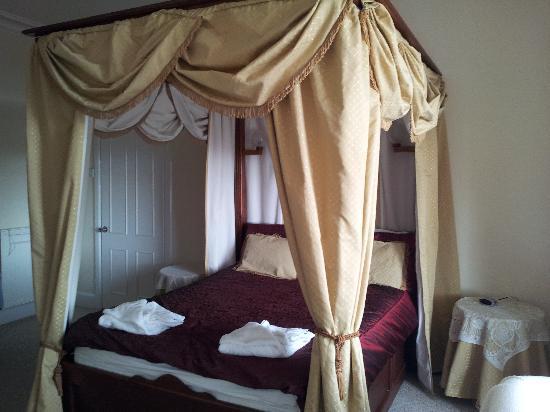 Belle Vue: The room we had
