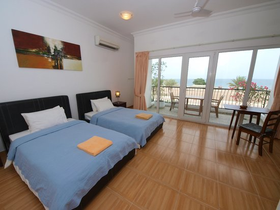 Lanavilla Guest House: Seaview room