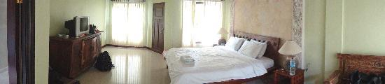 Three Brothers Bungalows: Panormaic of the room
