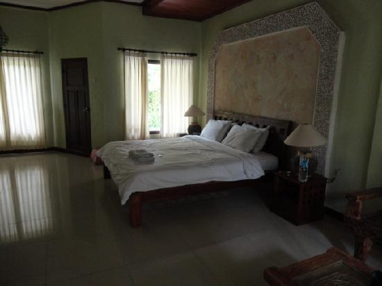 Three Brothers Bungalows: room after cleaning