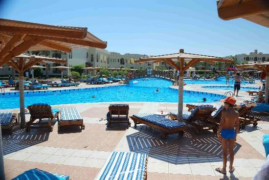 Charmillion Club Resorts: Zona piscina