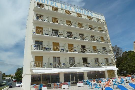 Hotel Les Brises : Hotel les pieds dans l'eau