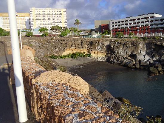 Hotel Riu Buena Vista: Beach below hotel