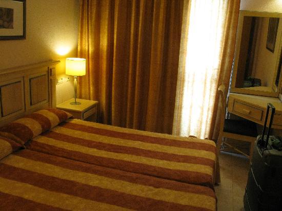 Zafiro Menorca: Dormitorio