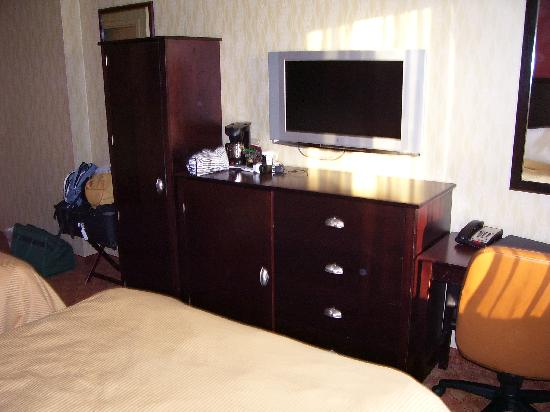Lexington Inn at JFK Airport: chambre