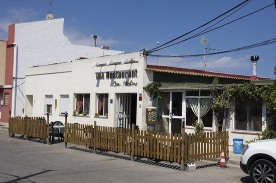 Sant Jaume d'Enveja, España: Fachada del restaurante.