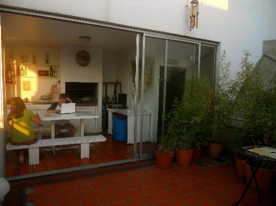 Ostinatto Hostel: Ostinatto's rooftop terrace