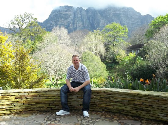 โรงแรมไวน์ยาร์ดแอนด์สปา: Me in the gardens