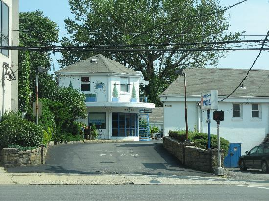 Mamaroneck, estado de Nueva York: the motel entrance on U.S. 1