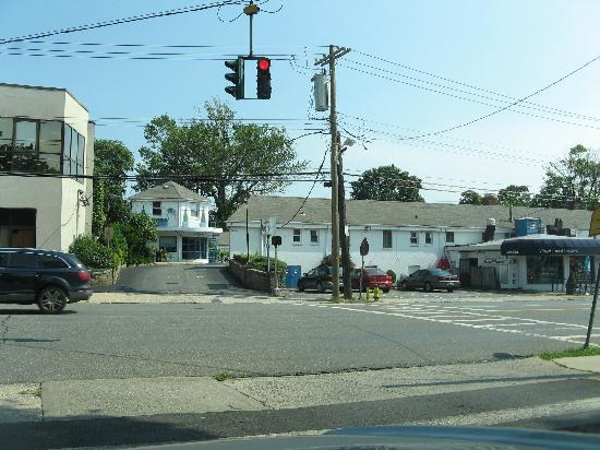 Mamaroneck Motel: a context view of the motel's location