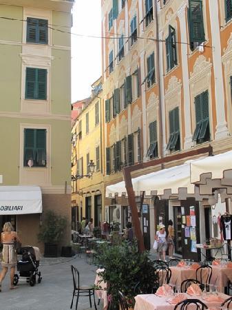 Ristorante Da Michele : 店の前の通り