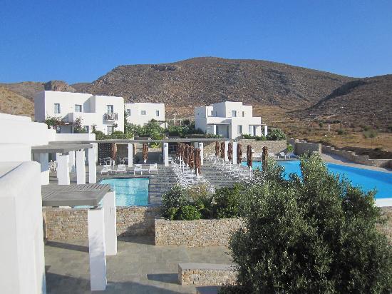 Anemi Hotel: vue de la piscine