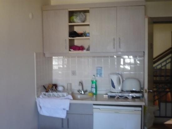 Apart Green Park: Kitchen View
