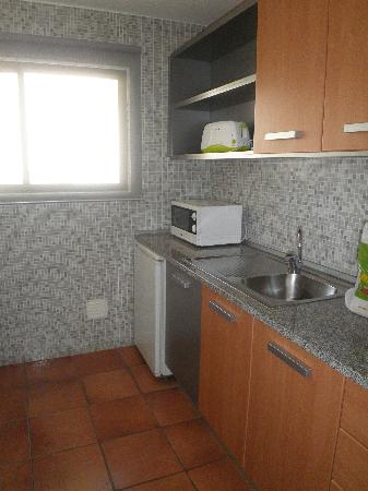 Hotel Apartamento Olhos d'Agua: Cocina