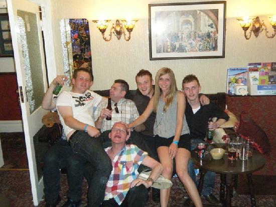 Cadeby Lodge: Duncan, Rob, Ash, Emily, Nathan & them 2 guys!