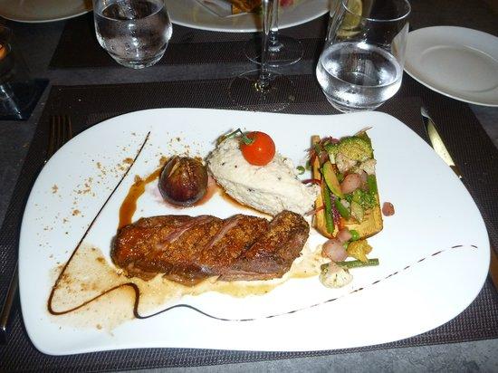 Restaurant L'Antidote Christophe Ferre: Cannette au miel, figue confite, polenta blanche, légumes croquants
