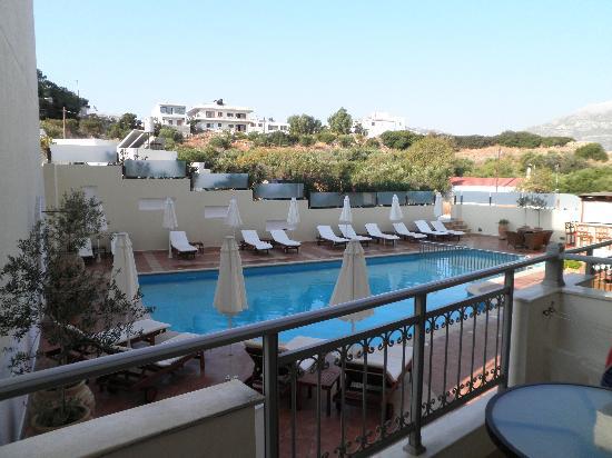 Astron Princess Hotel: piscina