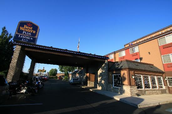 Best Western Plus Yakima Hotel : Extérieur de l'hôtel