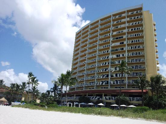LaPlaya Beach & Golf Resort, A Noble House Resort: Il resort visto dalla spiaggia