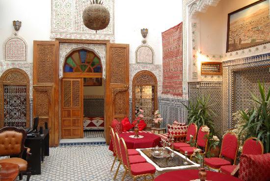 Dar Zohor : Hall 1