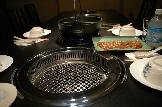 Tong Yang : smokeless grill and shabu shabu