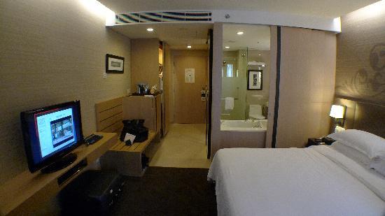 โฟร์พอยท์บายเชอราตันกรุงเทพ, สุขุมวิท 15: superior room
