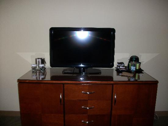 DoubleTree by Hilton Hotel Princeton : TV