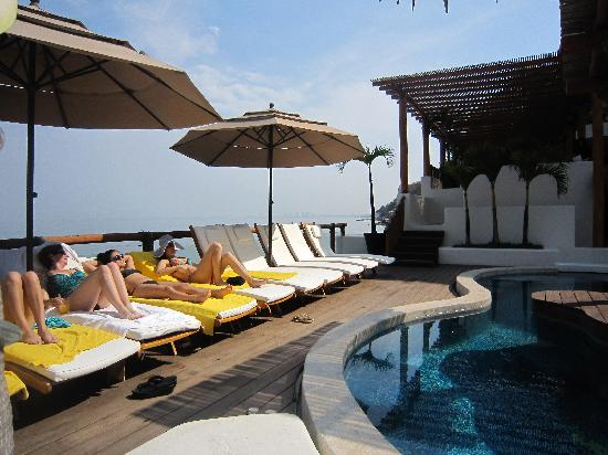 Hotel Playa Fiesta: Pool deck
