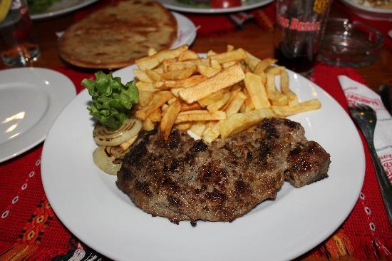 Steak mit Pommes - Bild von Hadjidraganovite kashti, Sofia - TripAdvisor