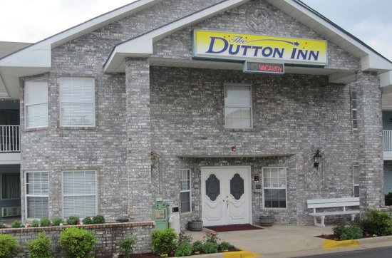 The Dutton Inn: Faces 76 Country Blvd