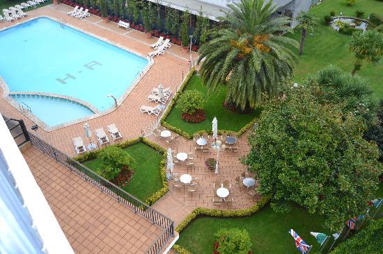 Piscina y jardines desde la terraza habitacion fotograf a - Piscinas y jardines ...