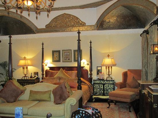 Rambagh Palace: Our lovely room!