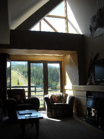 Shoshone Condominium at Big Sky Resort: Living room