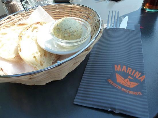Marina Ristorante: Bread basket