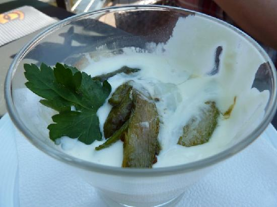 Marina Ristorante: grilled asparagus, egg, and cheese sauce appetizer