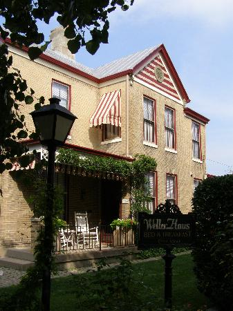 Cincinnati's Weller Haus Bed and Breakfast: 3 rooms in this house!