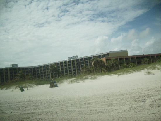DoubleTree Resort by Hilton Myrtle Beach Oceanfront: view of the resort from the beach