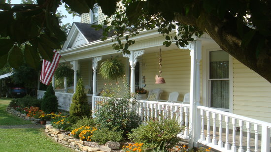 The Duck Smith House Bed & Breakfast: Historic & Charming