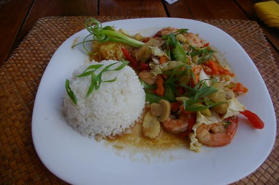 Pura Vida Beach & Dive Resort: One of many great meals