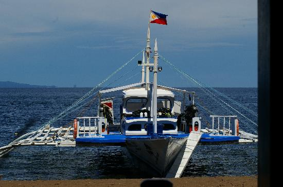 Pura Vida Beach & Dive Resort: dive boat