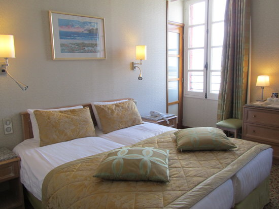 Hotel Croix Blanche : ベイビューの客室