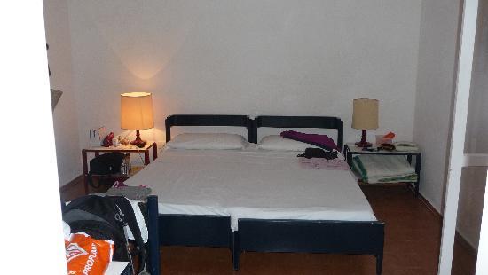 Hotel Mirage : Letto