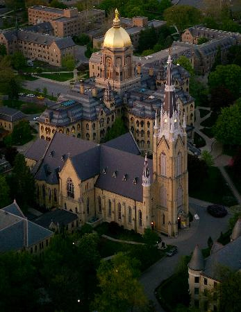 DoubleTree by Hilton Hotel South Bend: Basilica of the Sacred Heart-Notre Dame