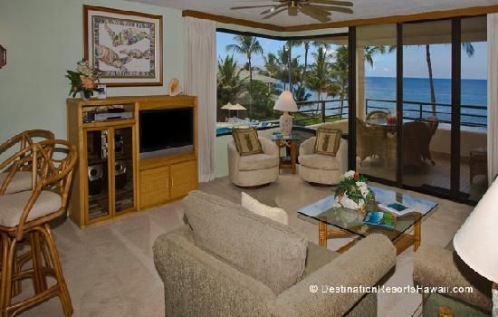 Polo Beach Club: Breathtaking Views from the Living Area through the Corner Window and Lanai