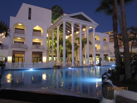 Guayarmina Princess Hotel: By the pool