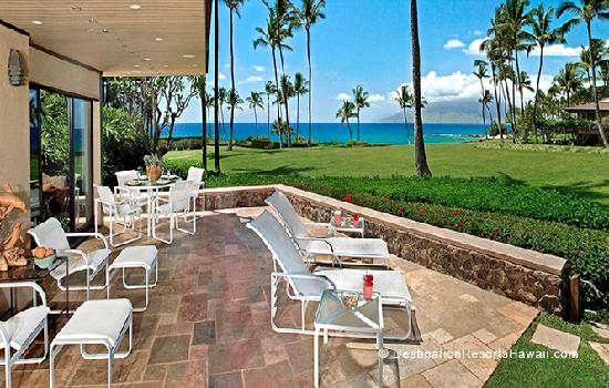Wailea Elua Village Lanai - Complete with its own shower to rinse the sand off your feet!