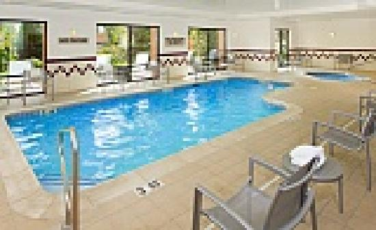 SpringHill Suites Portland Hillsboro: Dip into the pool or soak in the Whirlpool spa.